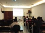 医疗部副主任简健在给干部职工培训 (2).jpg - 残疾人联合会